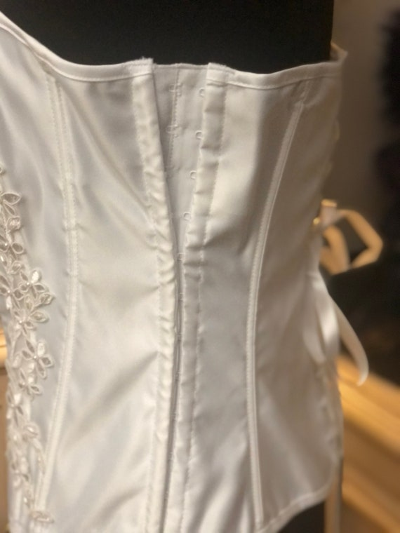 "32"" or 34""Vintage White Lace Corset - image 4"