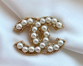 Gold Pearls Brooch