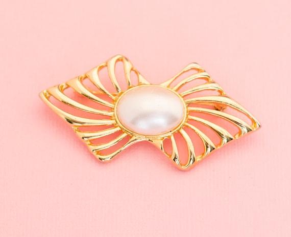 Vintage Warped Pearl Brooch | Ribbon Pearl Brooch… - image 1