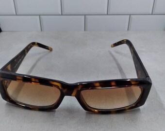 Jennifer lopez sun glasses