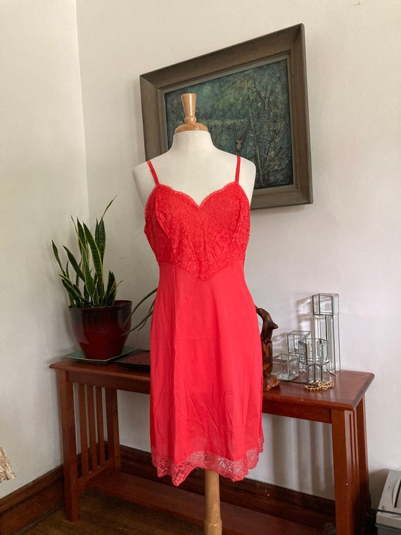 Vintage Scarlet Red Full Slip//Size 36//Vanity Fa… - image 1