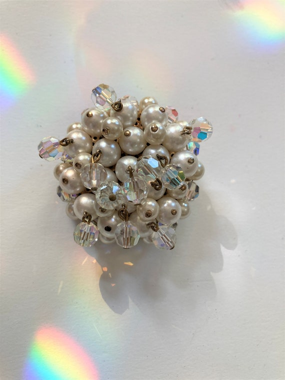Vintage 50s Pearl and Dangling Crystal Domed Broo… - image 1