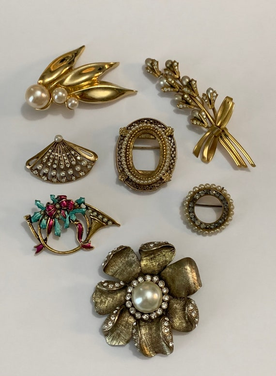 Vintage Gold Tone Faux Pearl Brooch Lot
