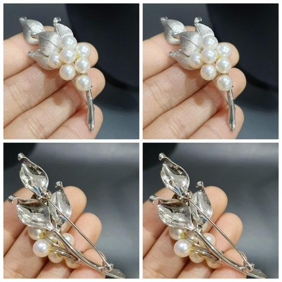 Vintage Natural Pearl Brooch - image 2
