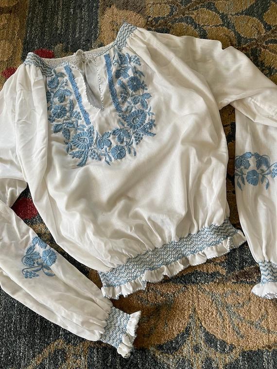 Vintage Hungarian folk white blue floral embroide… - image 5