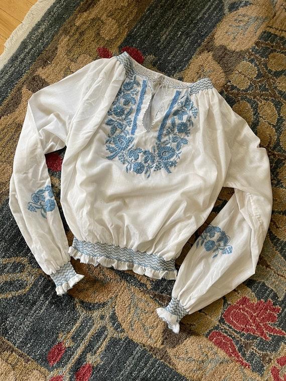Vintage Hungarian folk white blue floral embroide… - image 1