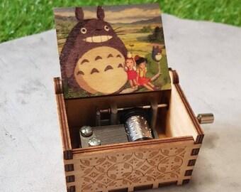 Boîte à musique en bois wooden music box Totoro NEUF / EMBALLE