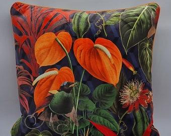 Cushion cover l'oiseau dans le jardin