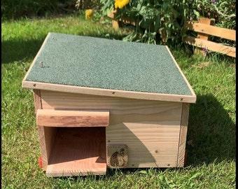 Hedgehog House Hibernation Box Day Shelter Solid Wood Construction
