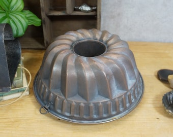 old cake tin, baking pan, Guglhupf mould - copper - 60s - shabby chic