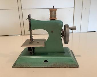 Green Tin Vintage Sewing Machine