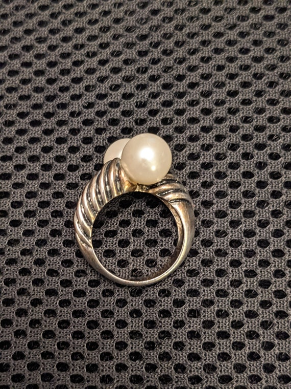 Vintage Faux Pearl Ring - image 3