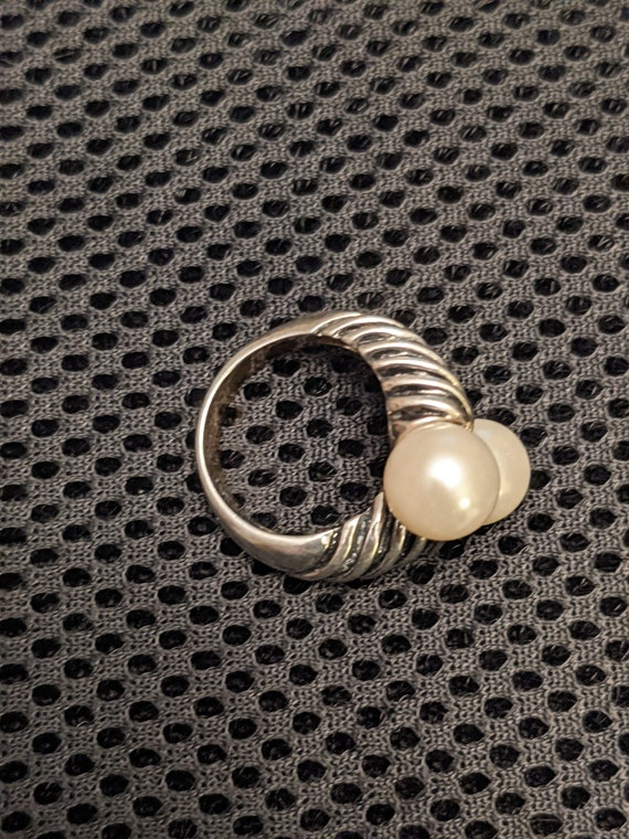 Vintage Faux Pearl Ring - image 4