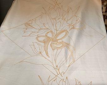 Barbara Beckmann Designs Cream Backed Dupioni Silk with Gold Diamond Knots 26 yards