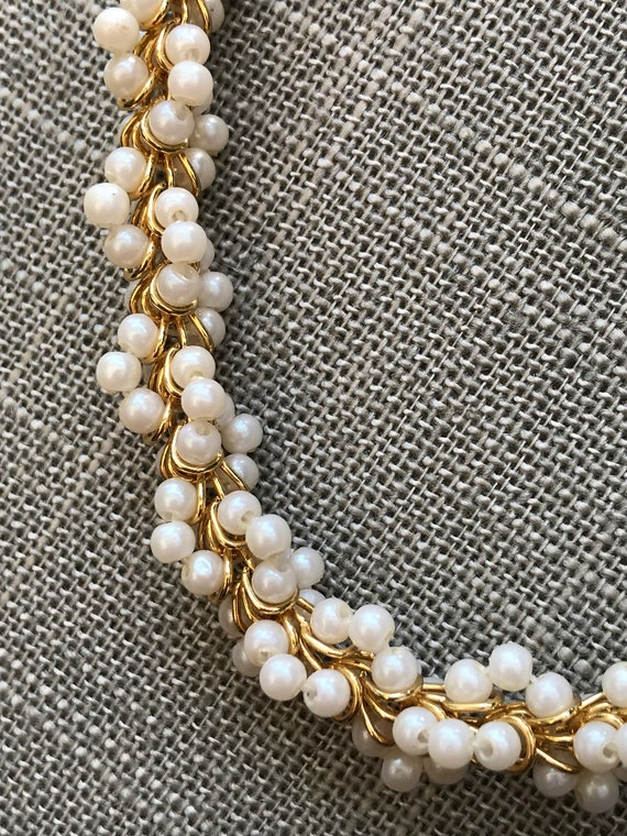 Vintage gold and pearl cluster necklace - image 2