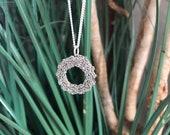 Minimalist Silver Wreath ...