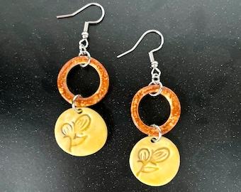 Hoop Berry Imprints, ceramic earrings, accessories, yellow & tan, clay, hypoallergenic, jewelry