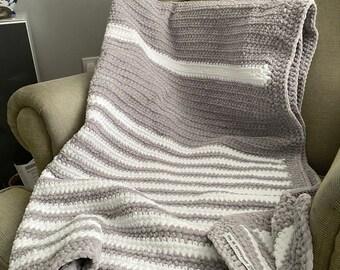 Blanket/throw, grey/white , handmade crocheted