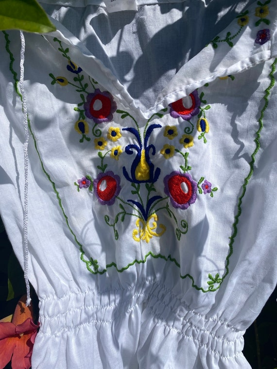 Hand embroidered vintage Hungarian blouse - image 5