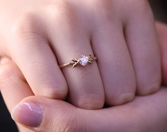 Wedding Diamond Band / Solitaire Diamond Ring / 14k & 18k Gold Minimalist Ring /Engagement Ring Available in Gold, Rose Gold, White Gold
