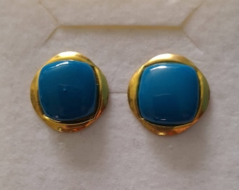 Vintage 80s blue and gold tone button earrings