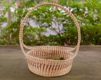 Easter Basket with traditional handle
