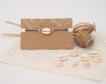 Filigree shell bracelet with macramé closure - KAURI