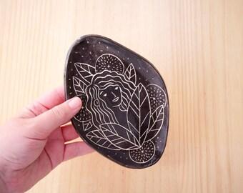 Jewellery plate, jewellery tray, ring plate, jewellery storage, decorative plate, illustrated plate, ceramic plate, black plate, black dish