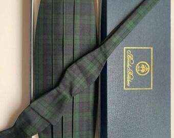 Brooks Brothers 4 pleated cummerbund and adjustable tie set