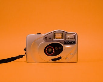 35mm Film Point and Shoot Camera W/Sample Pics