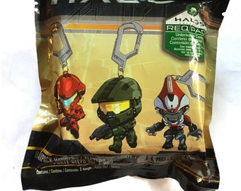 2 pack Halo 5 collectible backpack hanger/figurine mystery bag blind bags with content code!