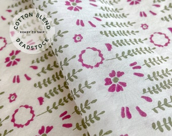 Flower and Leaf Pattern Cotton Blend Fabric - Deadstock Vintage Vegan Fashion Sewing Fabric by the Yard - Continuous Cut