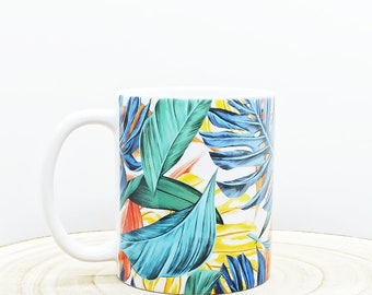 Printed cup, tropical motif, colorful leaves