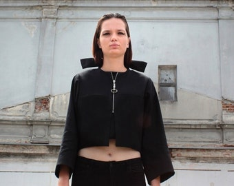 Pillow collar coat | Cropped black coat with silk pockets | Fall jacket