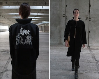 Black coat with silk lining | Minimalist fall trench coat