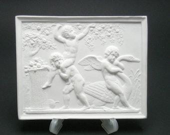 """Plaster relief """"Putten bei der Apfelernte"""", copy after Berthel Thorwaldsen (1770-1844)"""