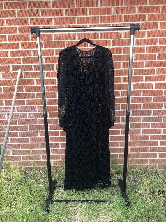 Stunning Vintage 1930s Black Burnout Velvet Dress!