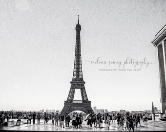Eiffel Tower print, black and white printable wall art, Paris photography, France landscape, digital wall prints, landmark poster, decor