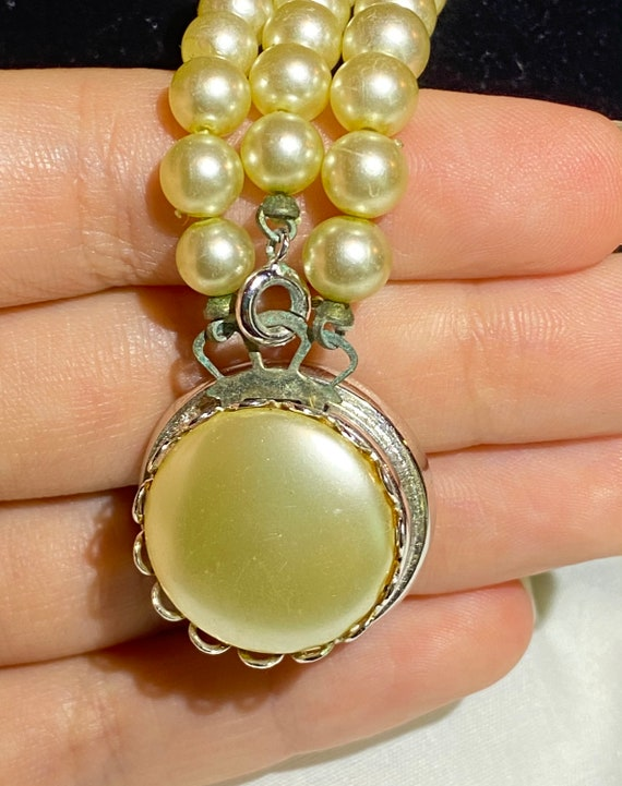 Sarah Coventry Pearl necklace- Faux Pearl and Rhi… - image 5