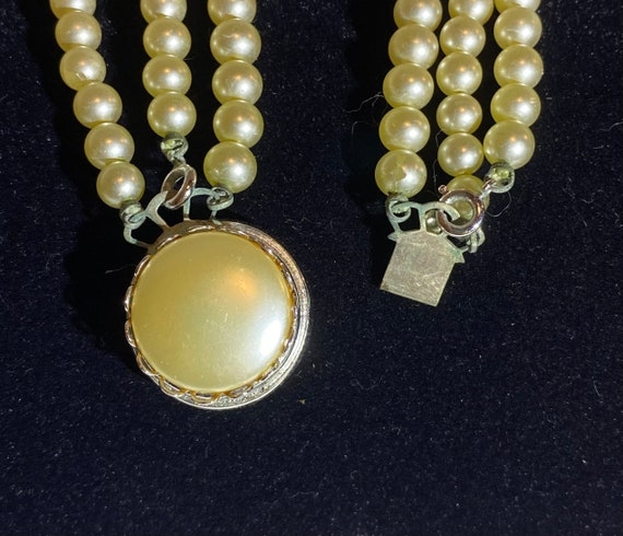 Sarah Coventry Pearl necklace- Faux Pearl and Rhi… - image 7