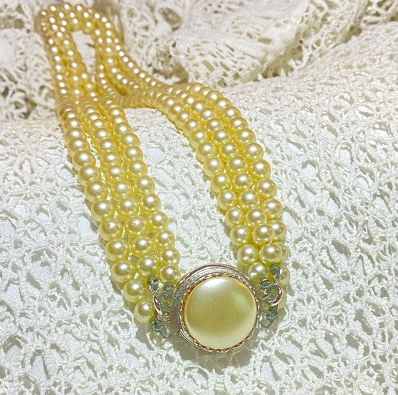 Sarah Coventry Pearl necklace- Faux Pearl and Rhi… - image 2