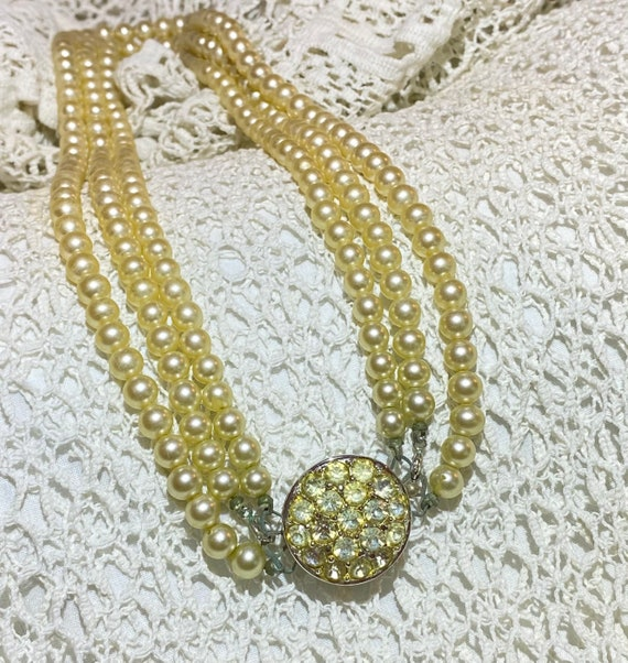 Sarah Coventry Pearl necklace- Faux Pearl and Rhi… - image 1