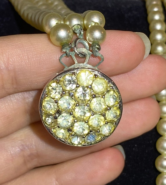 Sarah Coventry Pearl necklace- Faux Pearl and Rhi… - image 4