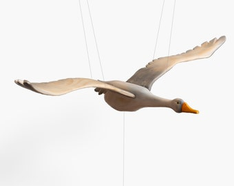 Wooden Flying Mobile bird| Flying Bird Mobile| Mobile Bebe |woodland Mobile bebe| Interactive Toy | Baby Shower Gift | flying bird sculpture