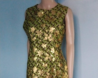 Sleeveless dress in golden loincloth origin Benin