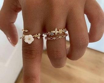 Set of 3 Rings, Flower Rings, Trio of Rings, Ring Lovers, Boho Flower Ring, Dainty Jewellery