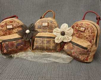 Natural cork Women's bag in cork with flowery pattern