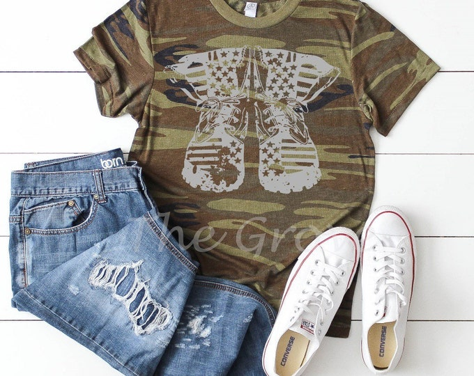 Distressed Military Boots, Graphic Tee