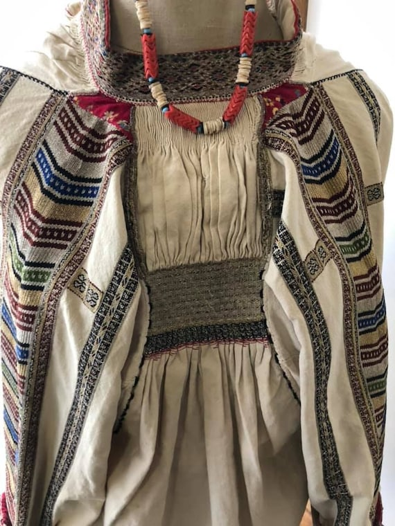 BULGARIAN BLOUSE Antique collectables - image 2