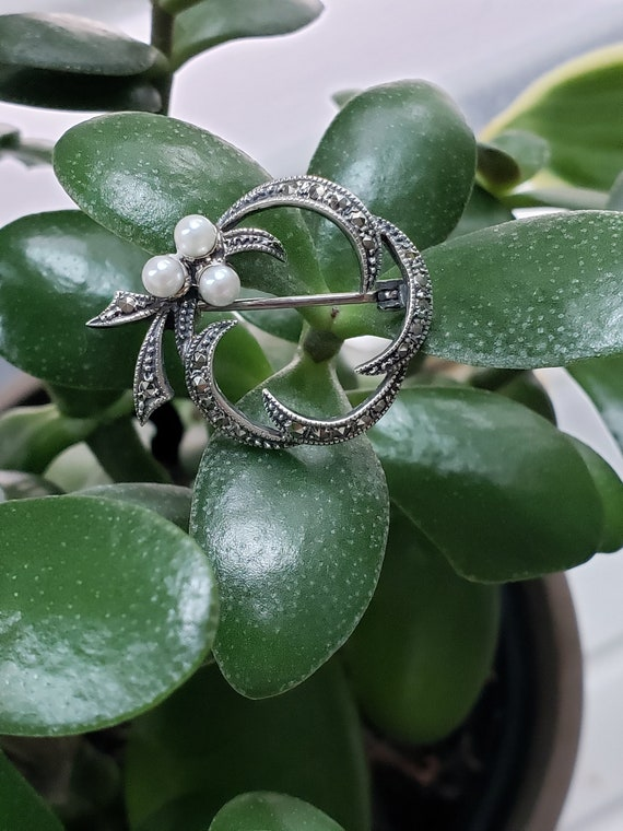 Vintage Sterling Silver Marcasite and Pearl Wreath